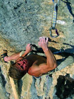 Sebastian Wutke - A Trazione 8b RP, Grotti