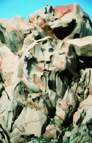 Niesamowite formy skalne Capo Testa