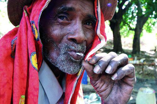 Grand Papa z fajką pokoju z wizytą na CampuS Campie