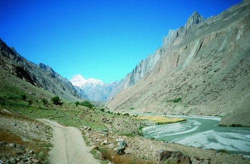 Dolina Hushe, w tle wybitny Masherbrum