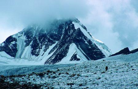 Dojście do bazy wysuniętej (ok.5000 m)