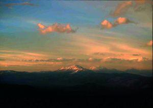 Widok z obozu I na Ojos del Salado o zachodzie słońca